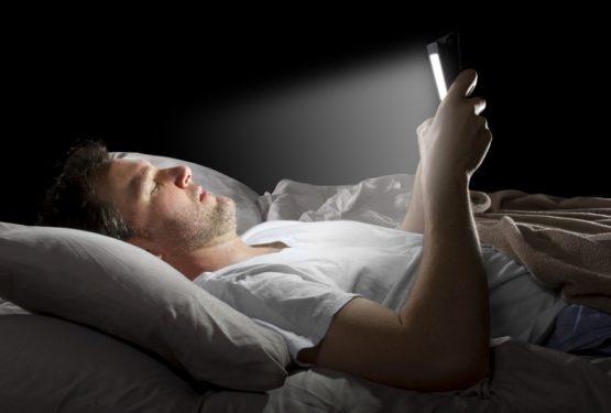 خبری برای دوستداران کتابهای الکترونیک: قبل از خواب استفاده از این کتابها را فراموش کنید